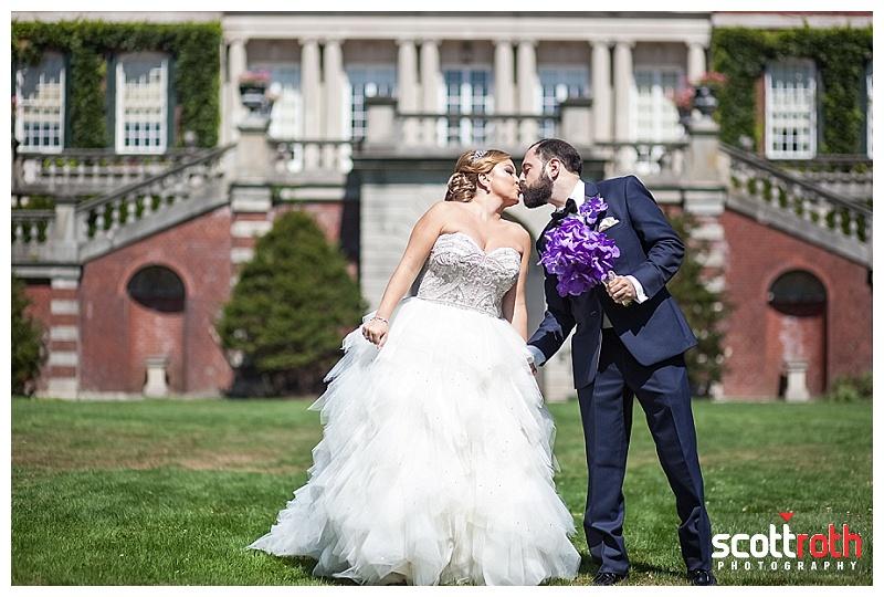 NY Jewish Wedding Photography – Meet Melody & Tory @ Westbury Gardens